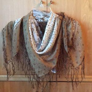 H&M Accessories - H&M floral tassel scarf